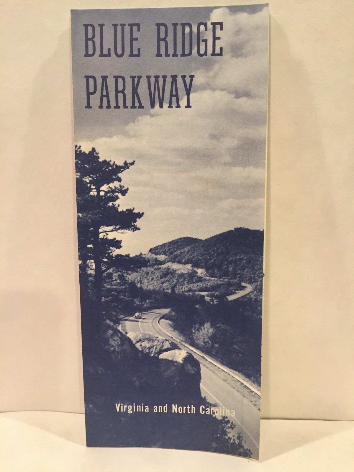 1962 BLUE RIDGE PARKWAY Virginia and North Carolina Travel Brochure and  Road Map
